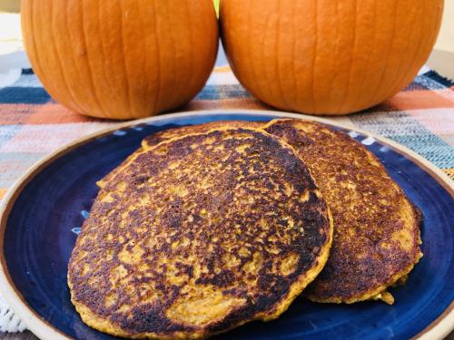 Pumpkin Spice Protein Pancakes Recipe www.HealthyPetPeeps.com