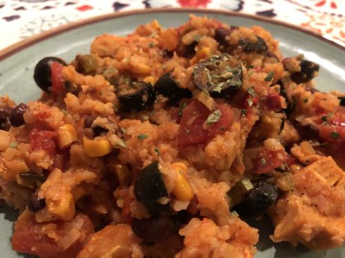 One Skillet Mexican Chicken and Cauliflower Rice www.HealthyEasyFood.com