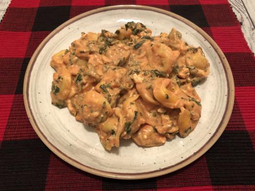 Recipe for Creamy Chicken & Spinach Tortellini www.HealthyEasyFood.com