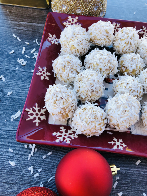 Recipe for No Bake Coconut Protein Snowballs www.Health4UandPets.com